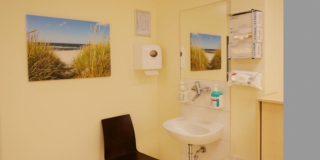 Ein Fotodruck in einem Behandlungszimmer