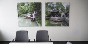 Fotodrucke farbig in einem Büro