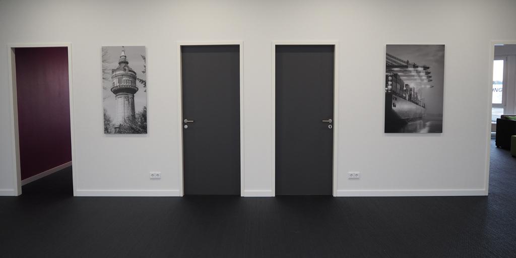 Panoramafotodruck - schwarz-weiß - Projekt GUNT Gerätebau GmbH