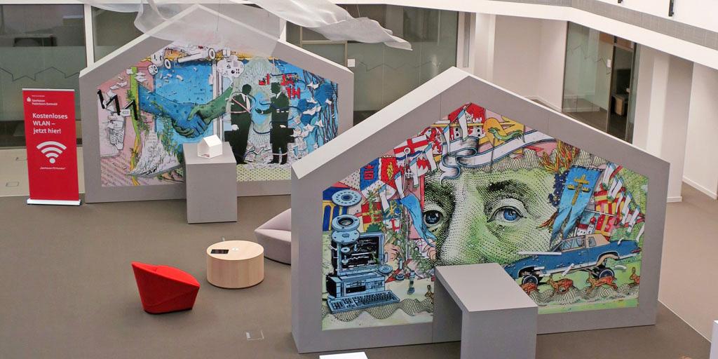 Empfangsbereich gestaltet vom Künstler Johann Büsen