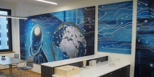 Dreiteiliges Graffiti von Sascha Siebdrat zum Thema weltweite Vernetzung
