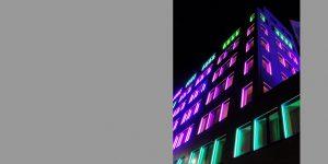 Dauerhafte Lichtinstallation von Günter Ries für IDEAL Versicherung