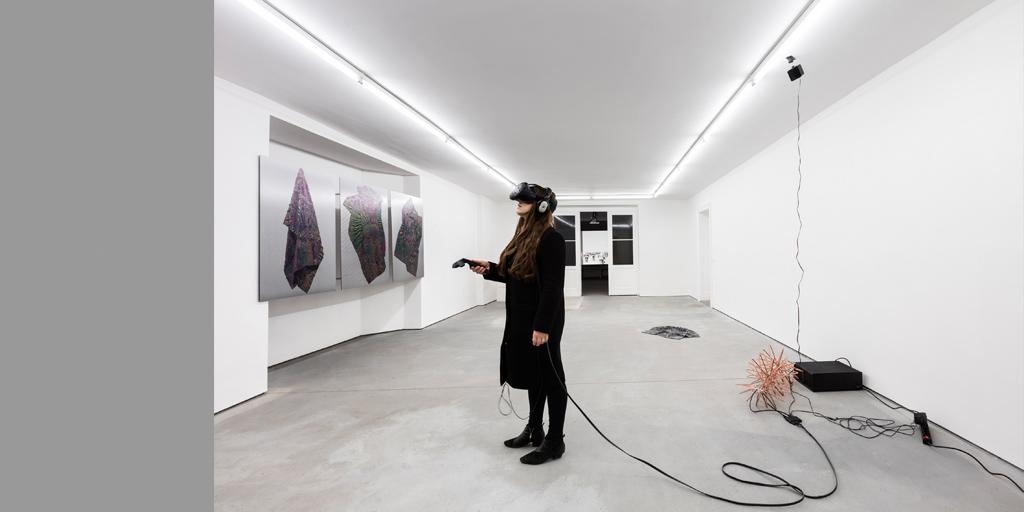 Spiros Hadjidjanos HD/VR Sculpture 2016 Kupferdraht, VR-Headset, Computersystem Maße variabel Foto: Andrea Rossetti Courtesy Spiros Hadjidjanos und Future Gallery, Berlin