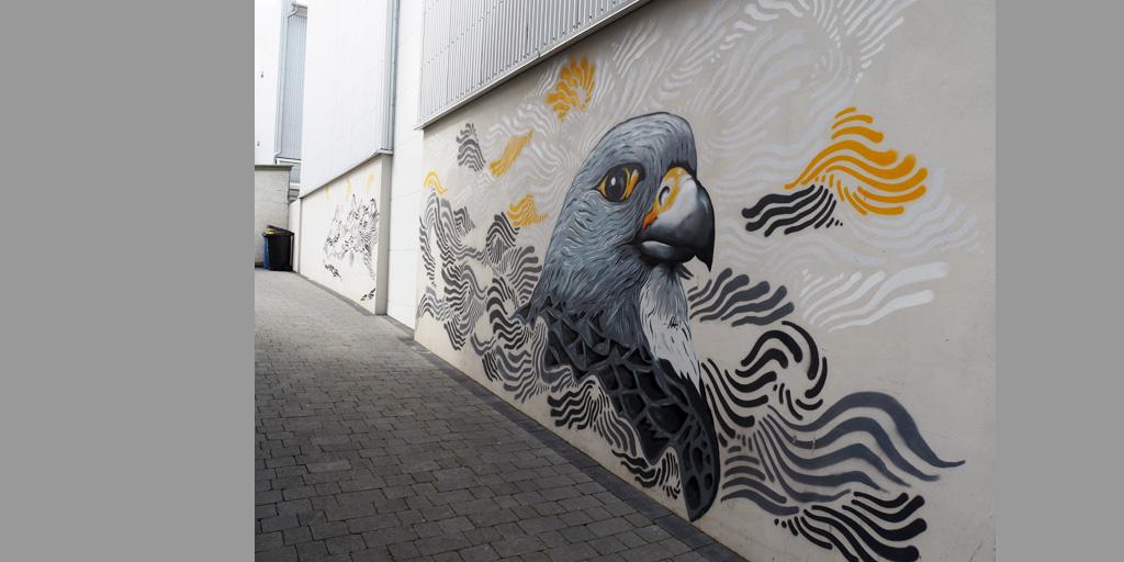 Wandgemälde mit Vogelmotiv in Reykjavík