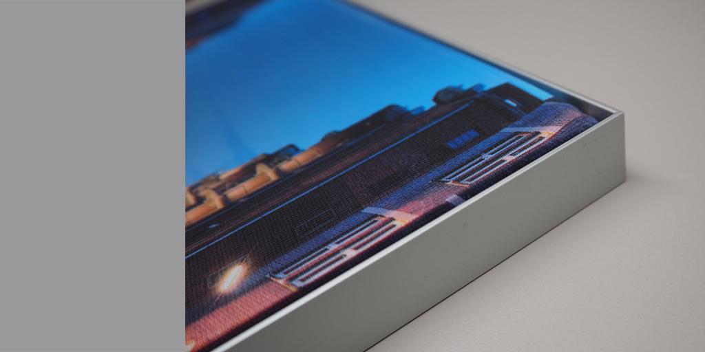 Beispiel für Qualitäten Textildruck mit Alurahmen 2 cm Stärke