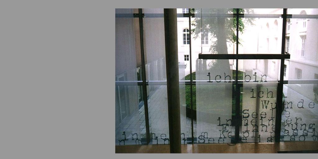 Fensterinstallation Wunder von Birgit Lindemann
