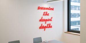 examine the deepest depths von Rupprecht Matthies aus rotem Plexiglas
